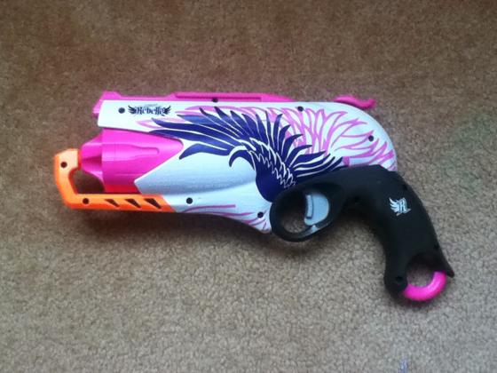 girlie-guns-blog-(i)