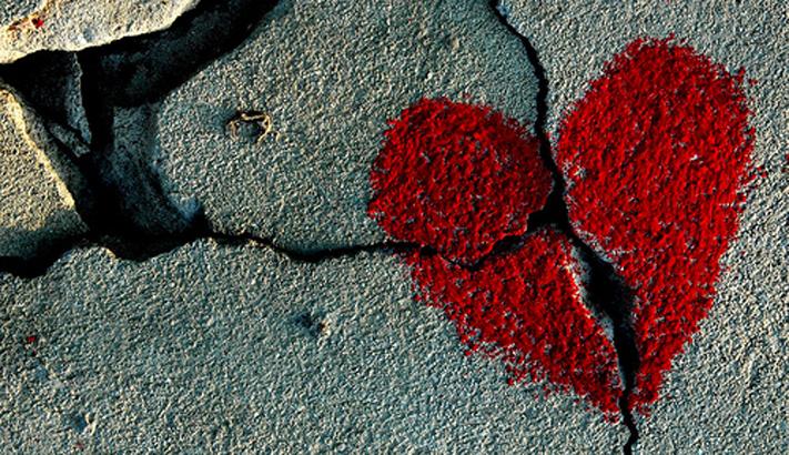 Hasil gambar untuk broken heart
